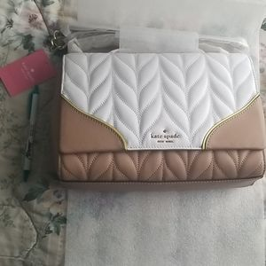 Kate spade purse briar on quilt white and tan med